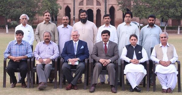اسلامیہ کالج کی تاریخی و حالیہ علمی و تحقیقی سر گرمیوں سے آگاہی دی ، پروفیسر ڈاکٹر نوشاد