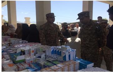پاک فوجی کا سوات میں فری میڈیکل کیمپس، 8 سو مریضوں کا معائنہ