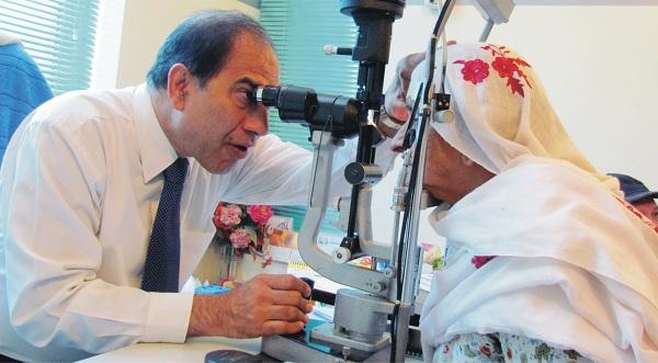 ڈاکٹر ظاہر شاہ کے زیر نگرانی آئی ٹرانسپلانٹ فری میڈیکل کیمپ، امریکن ڈاکٹرز کی شرکت