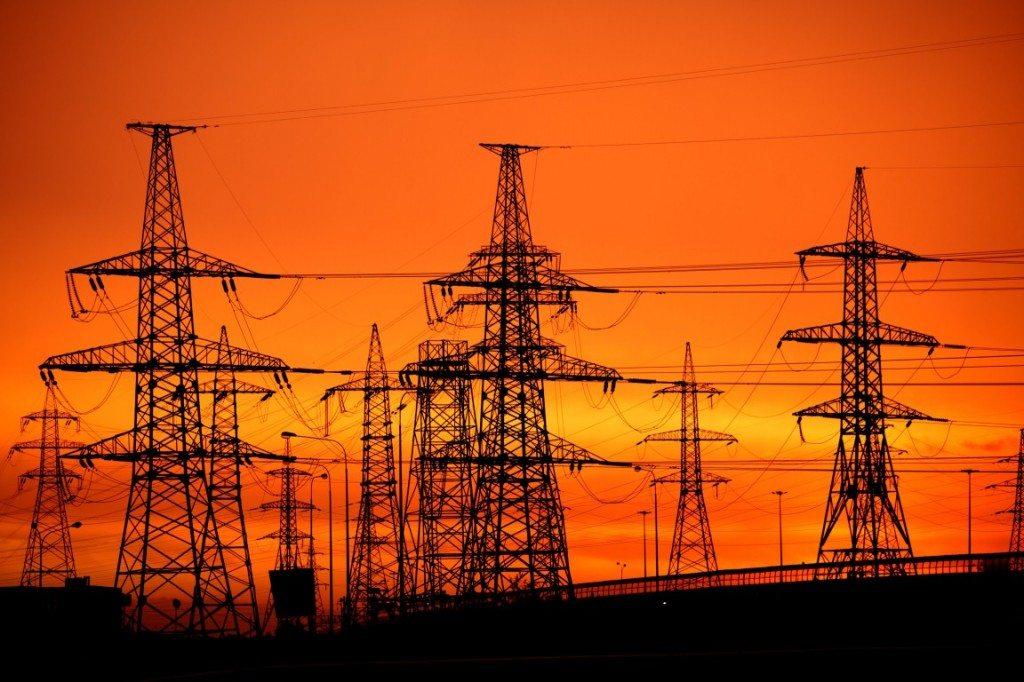 سوات میں بجلی کے غیر اعلانیہ لوڈشیڈنگ کا سلسلہ تھم نہ ہوسکا ، عوام کی چیخیں نکل آئیں
