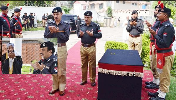 پولیس شہداء کو خراج تحسین، ملکی سالمیت کیلئے دیئے گئے قربانیاں لازوال
