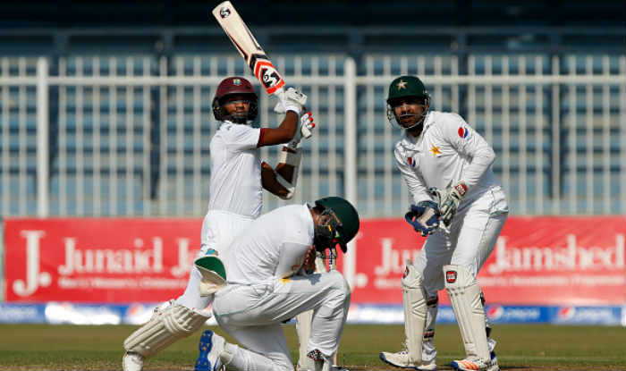 ٹیسٹ میچ میں پاکستان کے خلاف میزبان انگلینڈ بیٹنگ