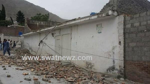 Heavy wind, one child killed in Amankot