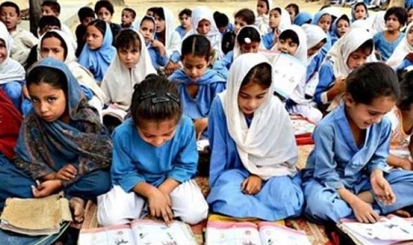 سوات، لڑکوں کی خواندگی کا تناسب 60فیصد جبکہ لڑکیوں کا صرف 40فیصد