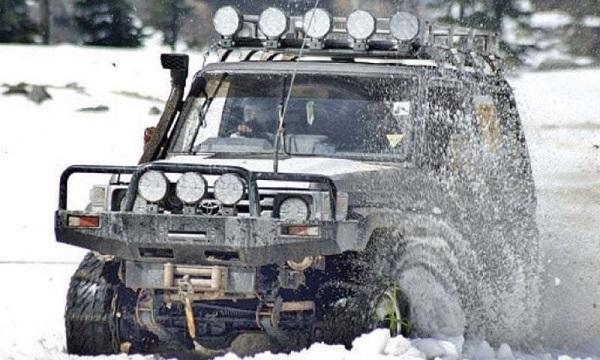 کالام میں برف کو چیرتی جیپ ریلی ، دہشت گردوں کو واضح پیغام