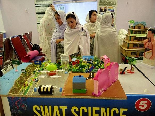 سوات میں سائنس فیسٹیول ، طلبا وطالبات کا اپنے ماڈلز کی نمائش