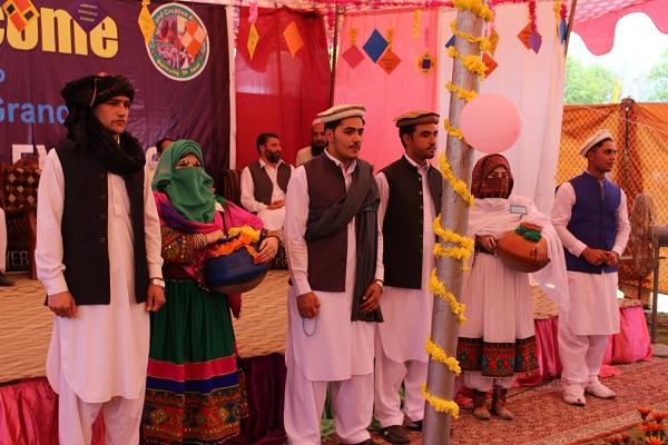 سوات یونیورسٹی میں کلچر شو ، روائتی لباس نے دلوں کو جیت لیا