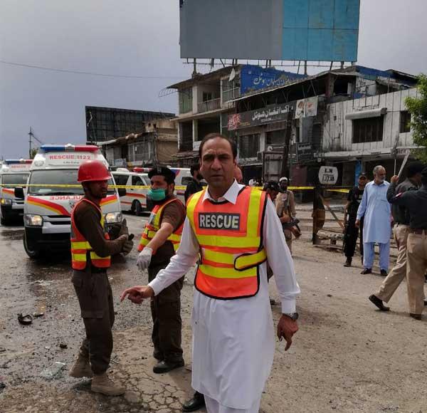 نوشہرہ خودکش دھماکہ، ایک جاں بحق متعدد زخمی، سیکورٹی اہلکار بھی شامل