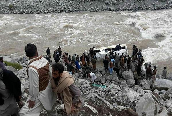 انتہائی افسوسناک حادثہ، دریا سوات میں موٹر کار گر گئی ، تمام افراد ڈوب گئے