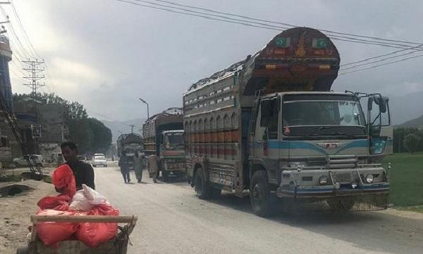 محکمہ پولیس سوات میں تجربات کا سلسلہ  جاری ، ٹرکوں کو شہر سے گزرنے پر پابندی عائد