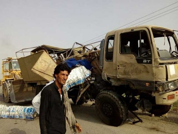 ڈی آئی خان میں ایف سی کے ٹرک اور مسافر بس میں تصادم؛ 6 اہلکار شہید