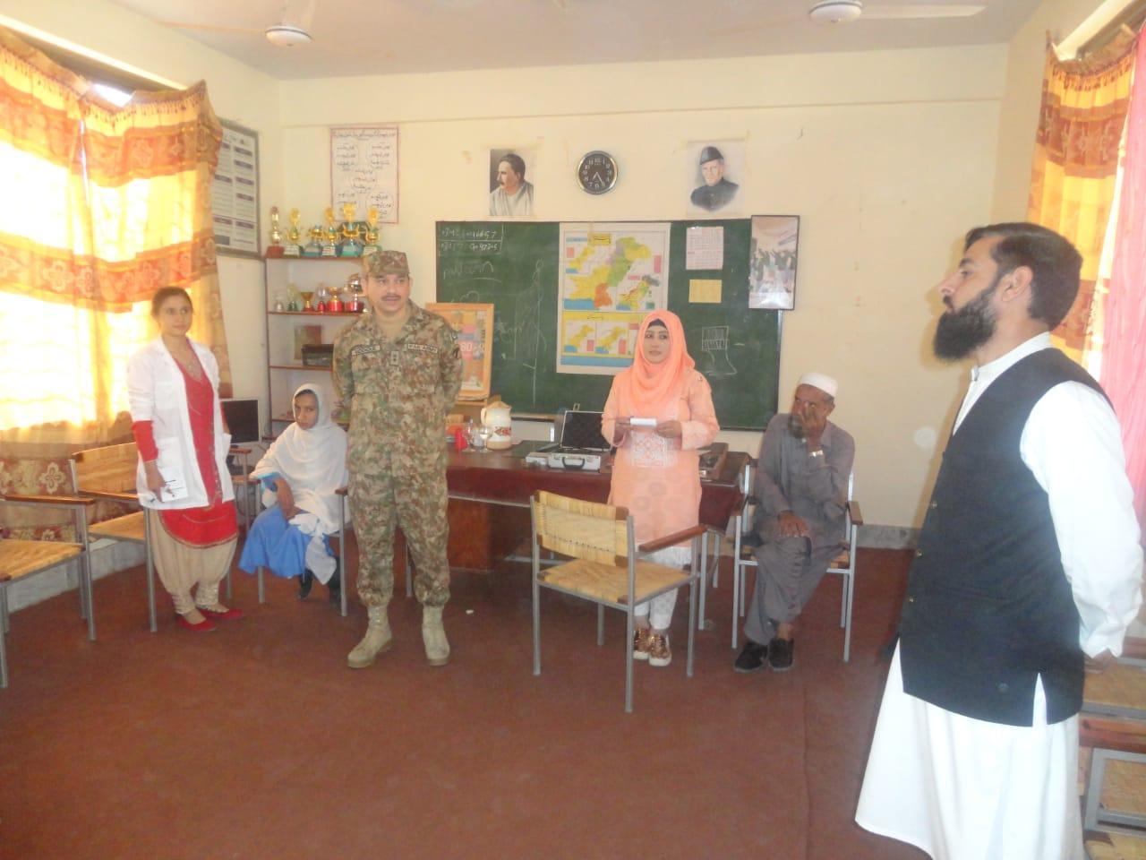 پاک فوج کے تعاون سے الشفاء آئی ٹرسٹ کے ڈاکٹرز کا سوات کے مختلف اسکولوں میں فری آئی کمپس کا انعقاد