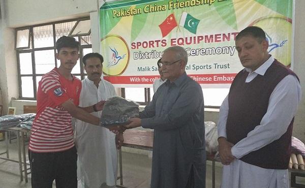 تحریک انصاف کھلاڑیوں کو ان کا حق ضرور دیگا، ملک سعد شہید ٹرسٹ کے کارنامے شاندار ہیں، انجنیئر عمر فاروق