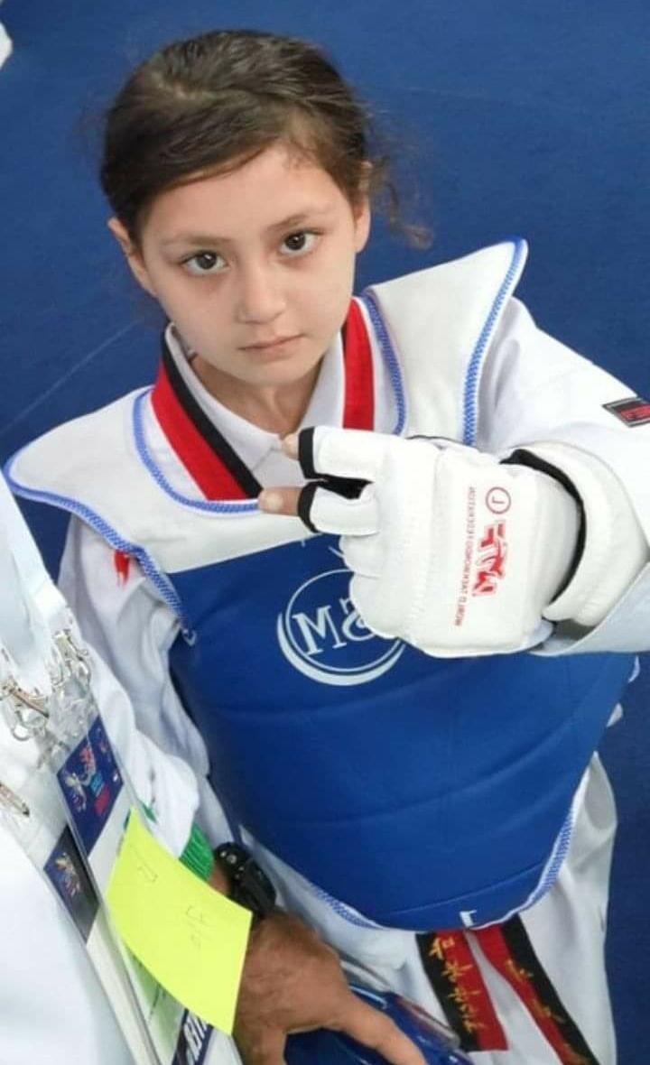 سوات کی 8 سالہ عائشہ نے دبئی کے عالمی مقابلوں میں تیسری پوزیشن جیت لی