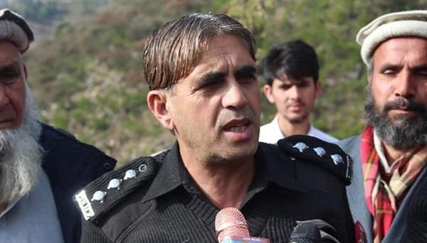 دہشت گردی میں تین پولیس اہلکاروں کی مدد سے پولیس سٹیشن کو بچانے والا ہیرو
