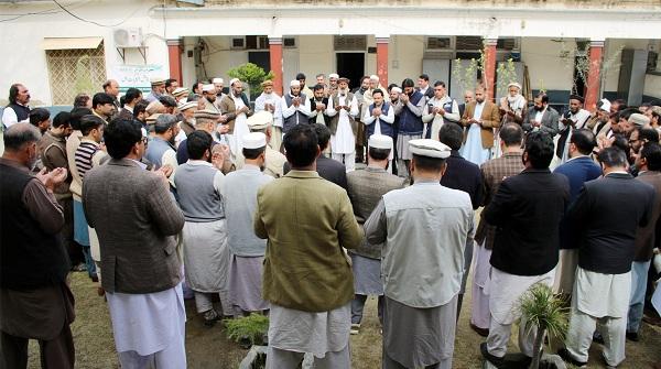 نیوزلینڈ مسجد حملہ، دہشت گردی کیخلاف کمشنر سیکرٹریٹ ملازمین کا احتجاجی مظاہرہ