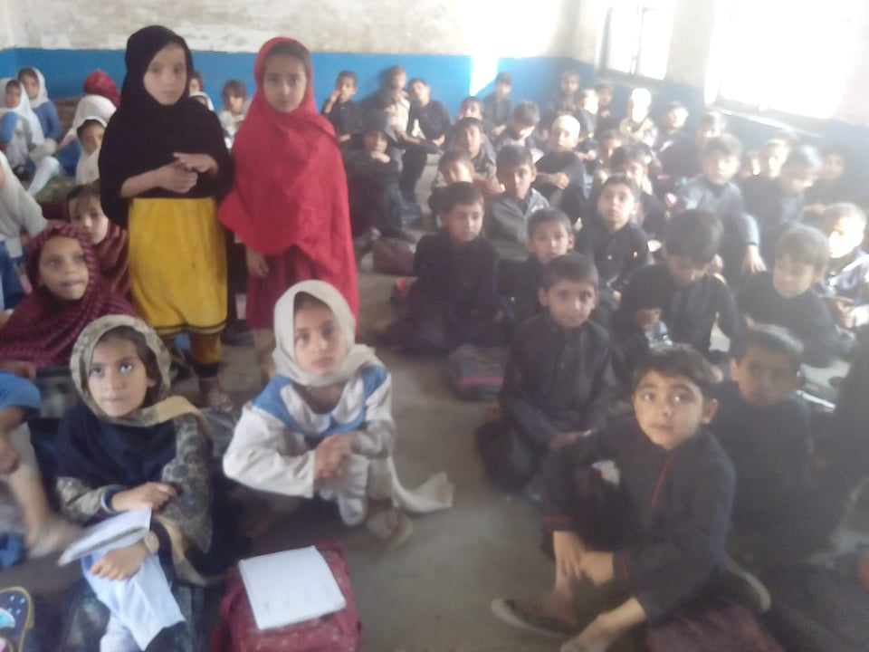 سوات ،ضلع بھر میں پرائمری سکول آج سے کھل گئے