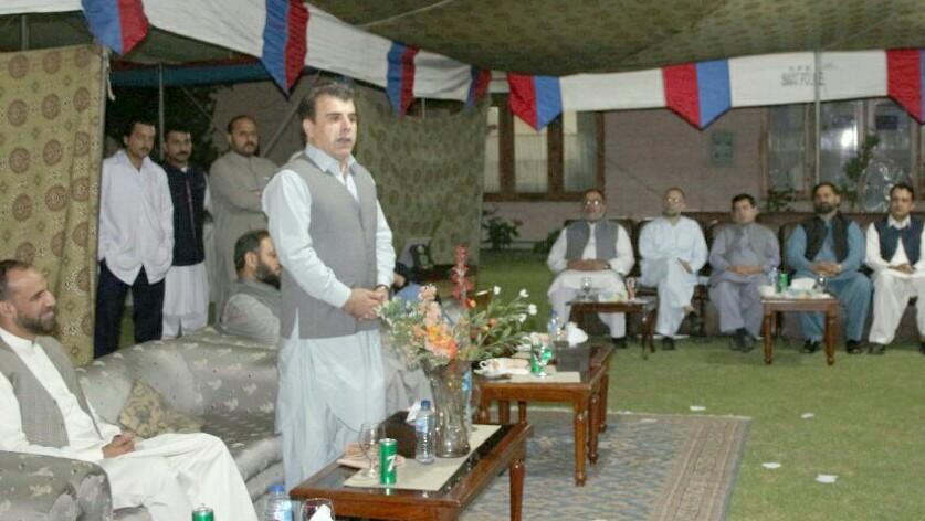 کمشنر ملاکنڈ کی پاک فوج کے سبکدوش جی او سی کے اعزاز میں افطار دعوت