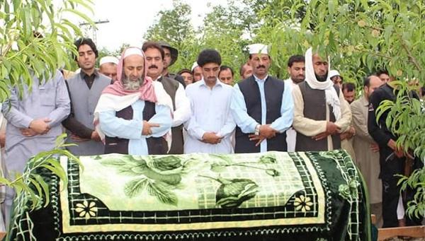 منسٹر محب اللہ خان کے چچا کی نماز جنازہ ادا ، ابائی گاوں میں سپردخاک