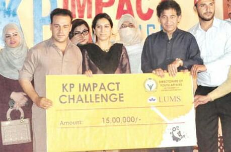 سوات کے نوجوان کا اعزاز ,سیاحت کے فروغ کیلئے بہترین ائیڈیا دینے پر15 لاکھ کا انعام جیت لیا