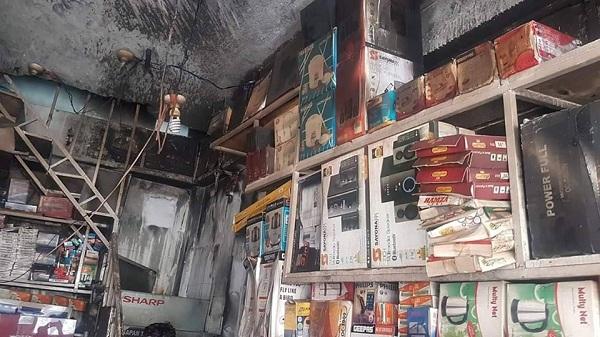 مین بازار مینگورہ میں الیکٹرانکس کی دکان میں آگ بھڑک اٹھی،لاکھوں کانقصان