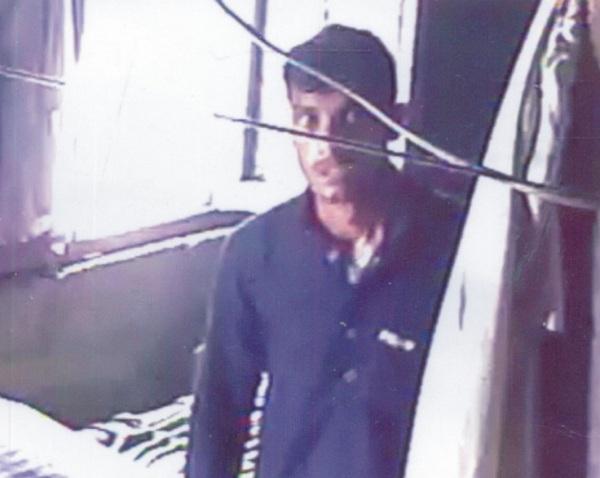 خفیہ کیمرے نے چور کا عکس محفوظ کرلیا، پولیس گرفتارکرے، وزیر محمد کا مطالبہ