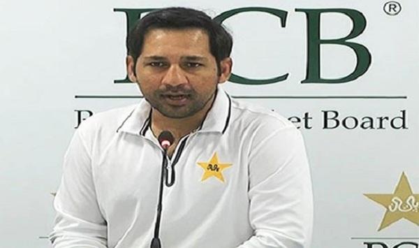 پی سی بی نے سرفراز احمد کو تینوں طرز کی قیادت سے برطرف کر دیا