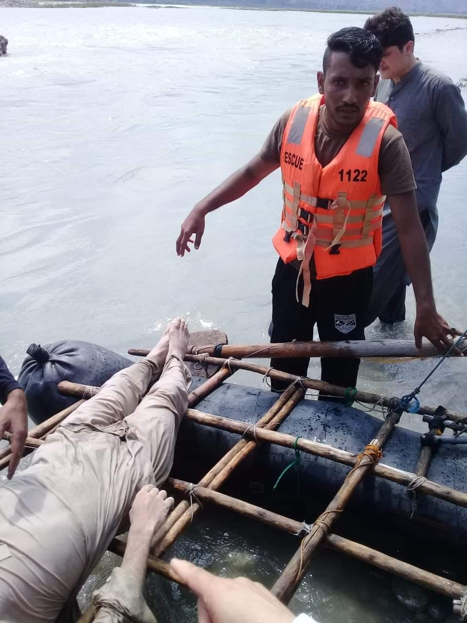 دریاء سوات میں لاپتہ چوتھے نوجوان کی لاش بھی مل گئی ، ریسکیو حکام