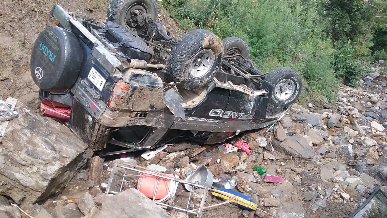 سوات میں ایک افسوسناک واقعہ ، سیاحوں کی گاڑی مالم جبہ میں گرگئی ، 2جانبحق