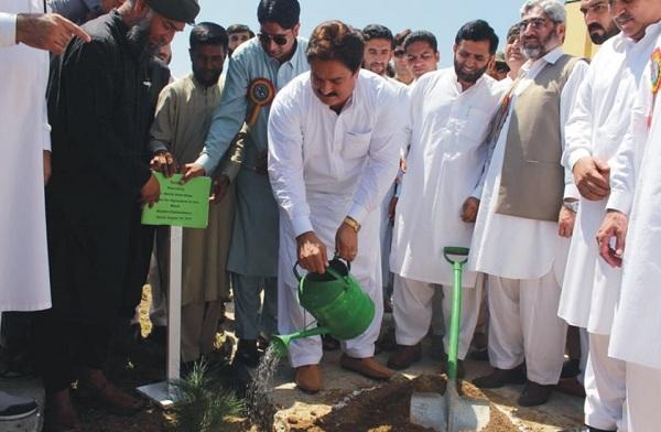 ملک میں مزید 10 بلین پودے لگائے جا رہے ہیں، صوبائی وزیر زراعت محب اللہ خان