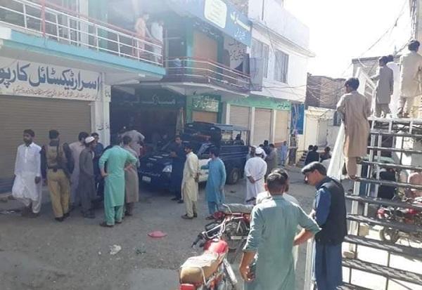 مینگورہ شہر کے مصروف ترین بازار نیو روڈ میں جرگہ کے دوران فائرنگ دو افراد زخمی
