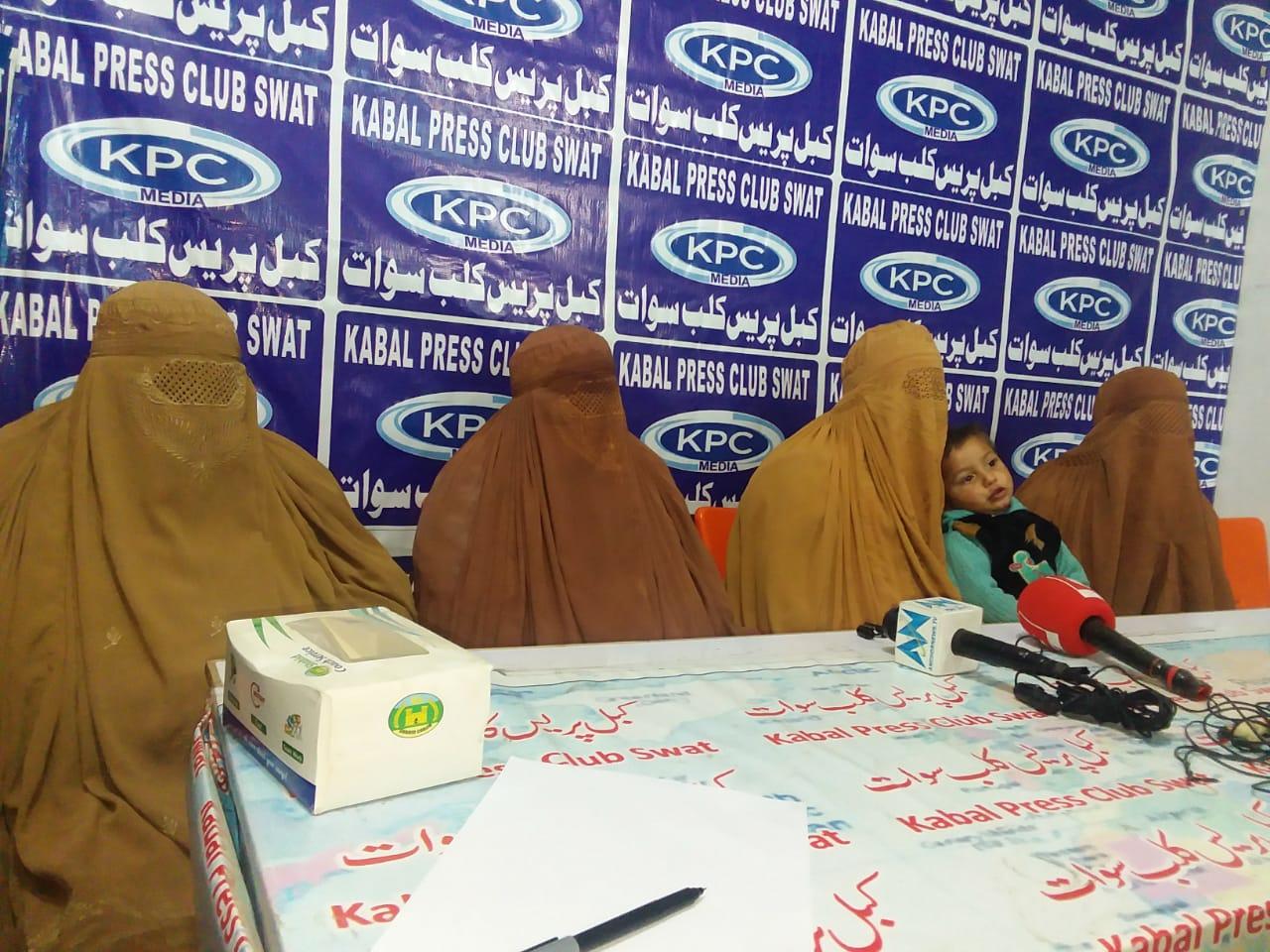 سوات، پولیس پر لاکھوں اور زیوارات لوٹنے کا الزام عائد