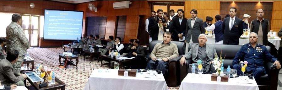 وزیر اعلیٰ خیبر پختونخوا محمود خان کا چترال اور سوات کا دورہ، سیدوشریف ائیر پورٹ میں بریفنگ بھی دی گئی