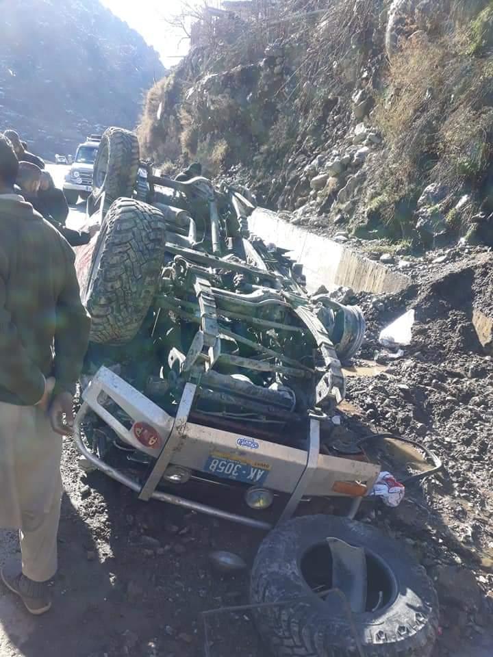 کالام جاتے ہوئے سیاحوں کی گاڑی کو حادثہ ، چار سیاح زخمی