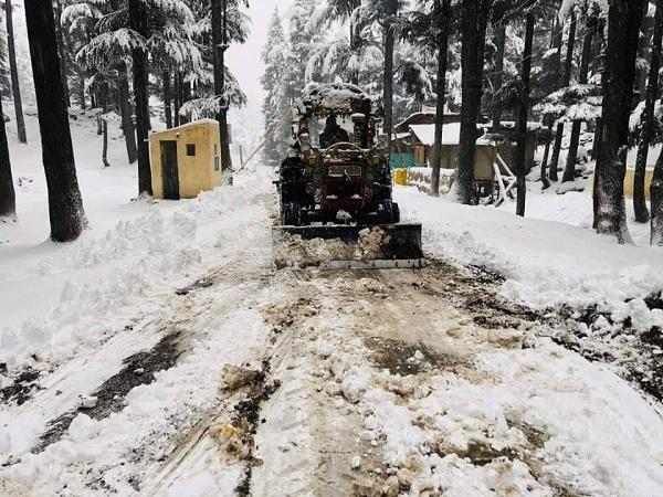 سوات میں شدید برفباری،کالام مالم جبہ میں 3تین فٹ ، مہوڈنڈ میں چار فٹ برفباری ریکارڈ