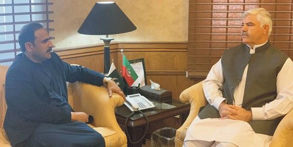 پشاور میں وزیر اعلی ٰ اور فضل حکیم کے درمیان اہم ملاقات، بڑے منصوبے پر بحث