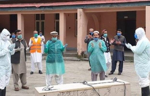 پاکستان میں کورونا سے مزید 161 افراد جاں بحق ہوگئے