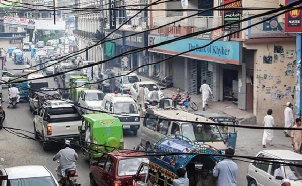 مینگورہ شہر میں بدترین ٹریفک جام،منٹوں کا راستہ گھنٹوں میں طے ہونے لگا