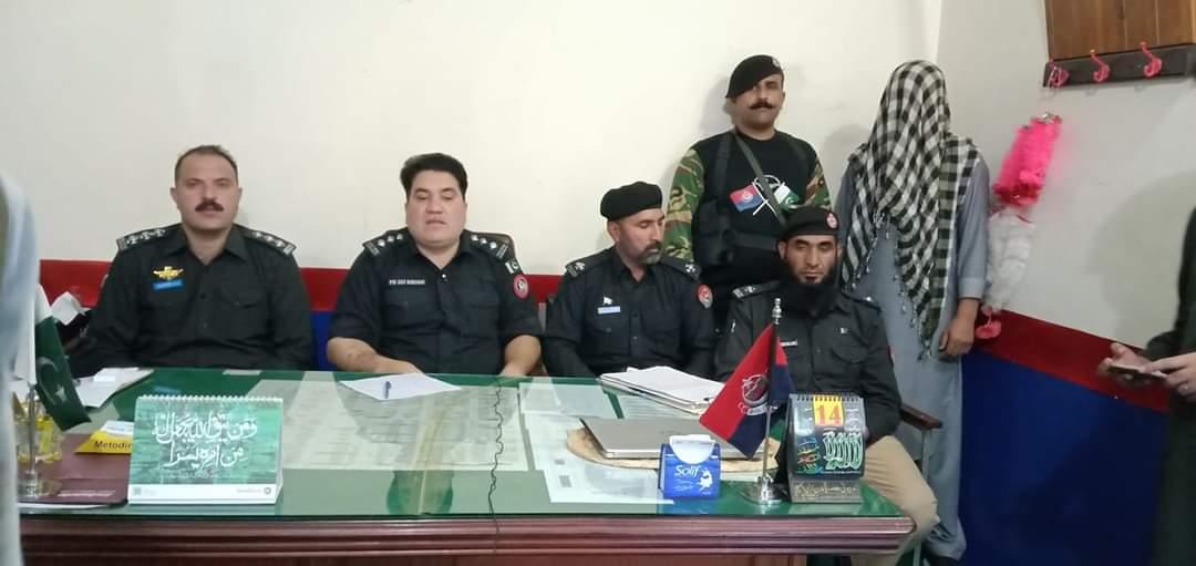 پولیس کی اہم کاروائی، اسلحہ برامد ملزمان گرفتار