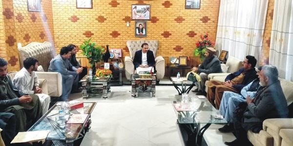 کہ عوامی مفادات پرکوئی سمجھوتہ نہیں کریں گے،  فضل حکیم خان یوسفزئی