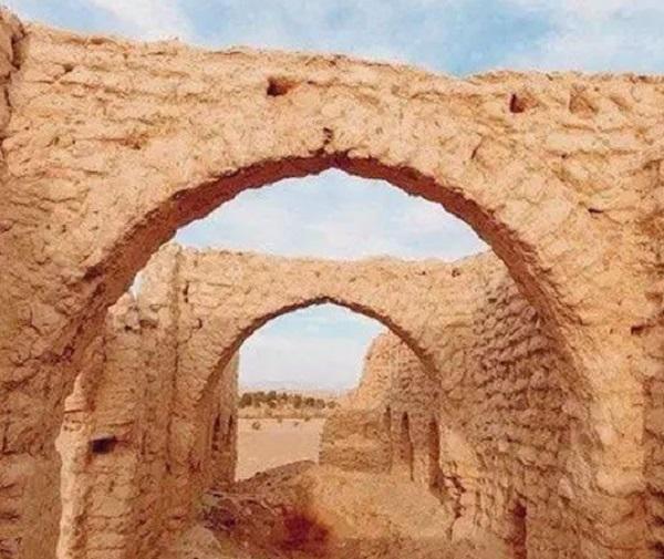 سعودی عرب میں کھجوروں اور چشموں کا 2 ہزار سال پرانا گاؤں توجہ کا مرکز