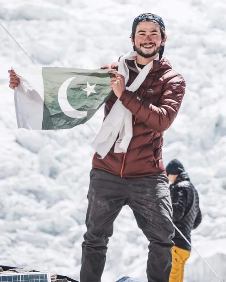 19سالہ شہروز کاشف نے ماونٹ ایورسٹ سر کرنے والے کم عمر پاکستانی کوہ پیما ہونے کا اعزاز حاصل کر لیا