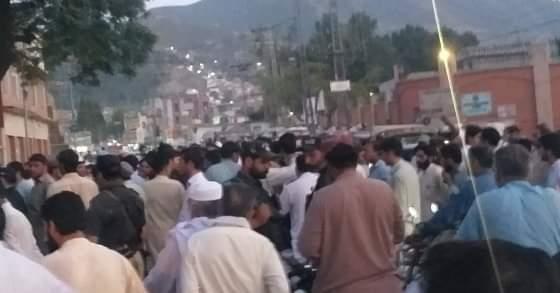 سیدو شریف میں تین دن سے ٹرانسفارمر خراب ، احتجاج شروع روڈ بند