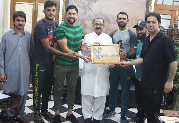 پاکستان کرکٹ ٹیم کے مایہ ناز کھلاڑی فخر زمان کا دورہ اسلامیہ کالج