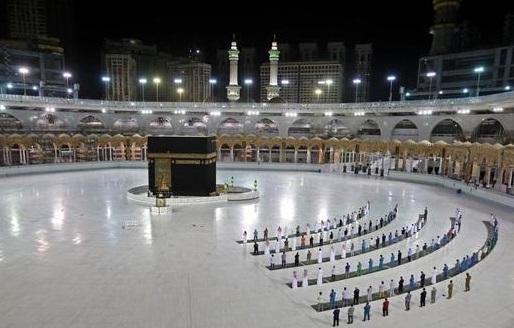 سعودی حکومت نے عمرہ زائرین کی تعداد 70 ہزار تک بڑھادی